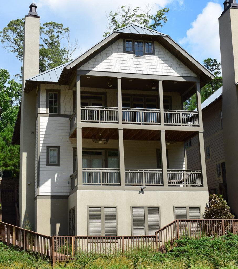 11 Cricket Lane, Bolton Cove, Lake Martin, Alabama